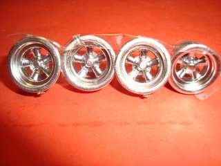 25 Scale Model Car Parts / Set Of Mag Wheels