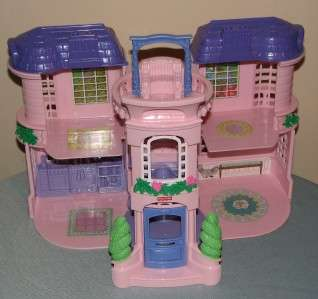 2001 Fisher Price Sweet Streets Grand Mansion Playhouse Dollhouse Pink