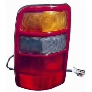 CHEVY / GMC TAHOE / SUBURBAN / YUKON XL 00 02 TailLight UNIT Driver