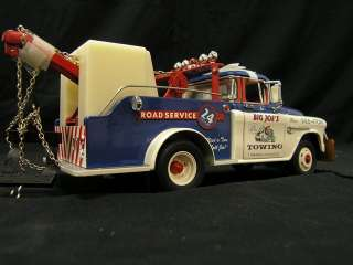 1955 Chevy Cameo Big Joes Tow Truck by Franklin Mint 124 Scale