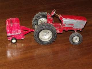 DIE CAST INTERNATIONAL HARVESTER TRACTOR & BALER FARM TOY