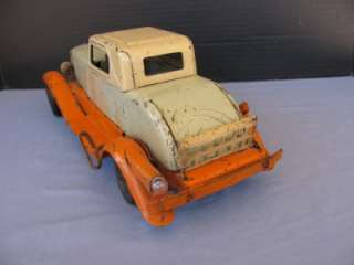 Vintage Antique WYANDOTTE Pressed Steel Metal Early TOY CAR Automobile
